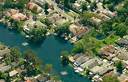 Homes along the lake in Lake Forest, CA